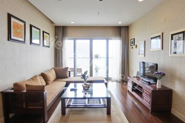 Enjoy the sunlight with shiny and bright apartment