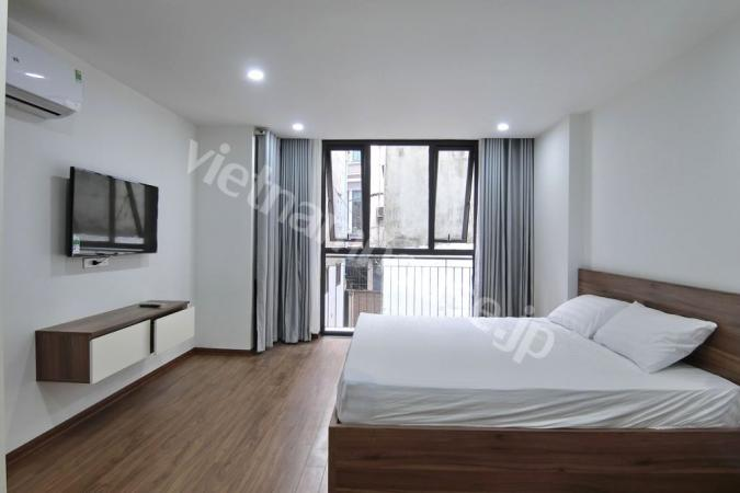 Convenient and green service apartment near the park