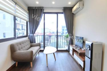 One-bedroom serviced apartment in Dao Tan